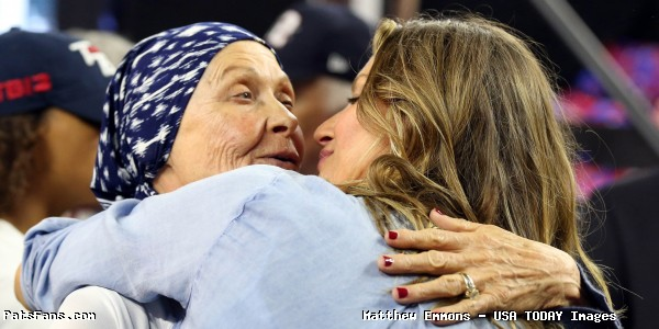 ICYMI PHOTO: Tom Brady Shares Happy Birthday Post For His Mother