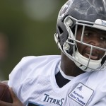 Jonnu Smith Debuts At Patriots Minicamp, Suffers Apparent Injury