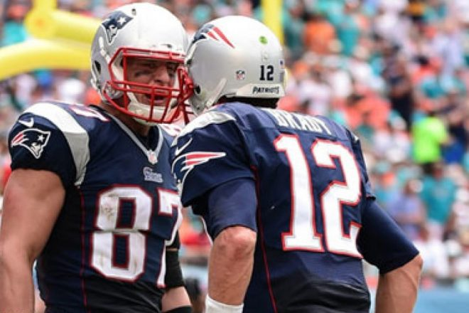 Monday Daily Patriots Rundown 3/21: Could Brady and Gronk Break Manning and Harrison's Record?