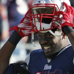 VIDEO: Chandler Jones has good hands