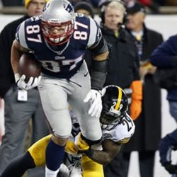 Patriots Offense Goes Thru Rob Gronkowski, Jammed or Not