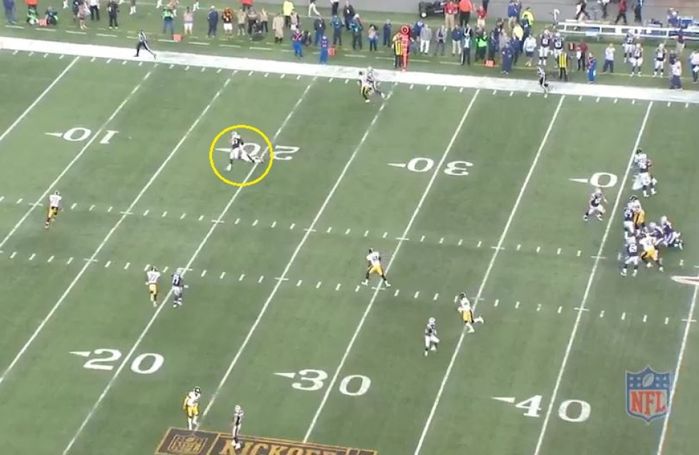 Gronk 19 yds deep right2