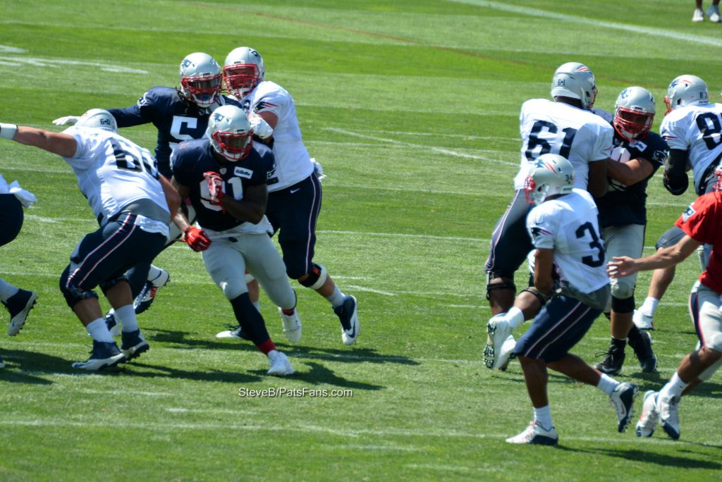 Jamie Collins slips his block