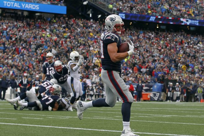 Patriots Muscle Past Chargers 21-13, Move to 6-2 at the Bye