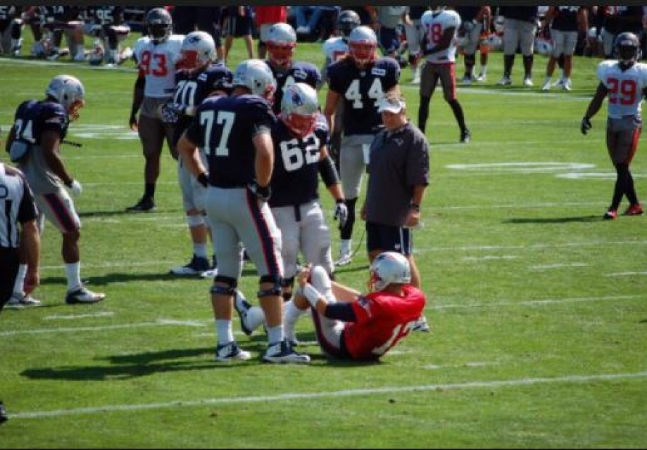 Brady-injured-bucs-clayborn