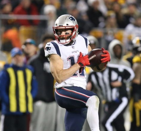 ICYMI PHOTO: Julian Edelman Honors Pittsburgh Shooting Victims