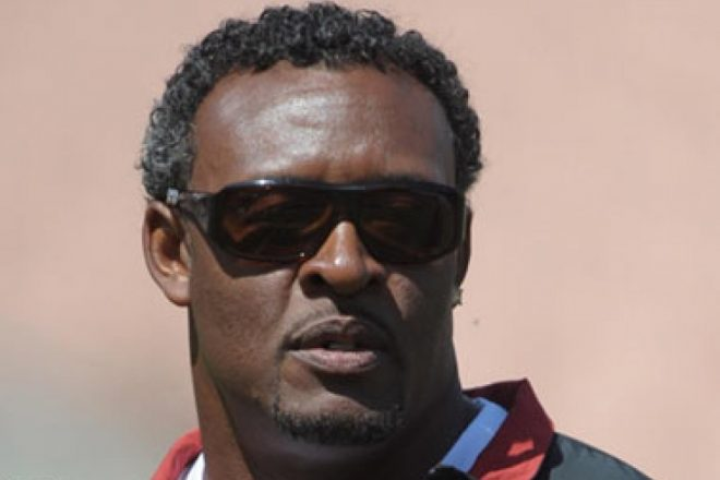 VIDEO: NFL Throwback – Willie McGinest Sets NFL Playoffs Sack Record