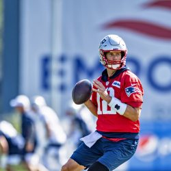 Cliffs, Turnover, Age… Tom Brady Remains Resolute