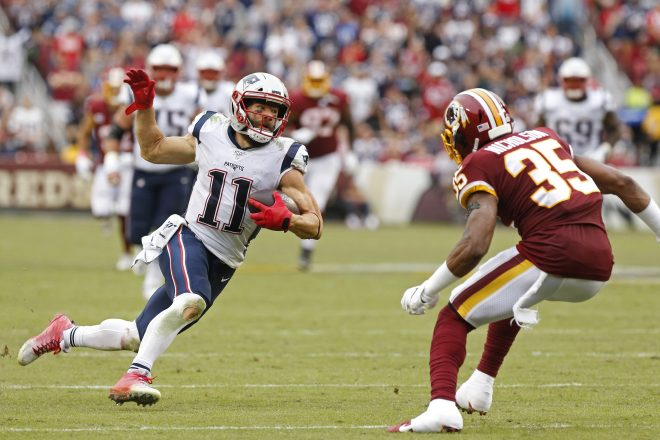 "Edelman Active, Battling Through ""Grotesque"" Shoulder Injury, Knee Issues"