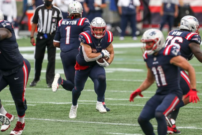 Patriots Ground Raiders With Great Rush Attack
