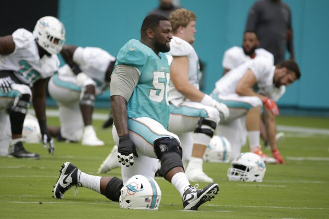 Patriots Agree to Terms with Dolphins NT Godchaux