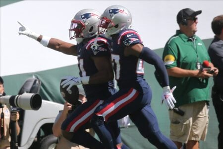 Patriots Defense (4 INTs) Leads the Way to a 25-6 Win Over the Jets